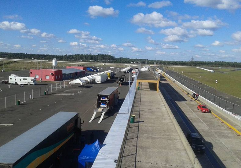 Ayer comenzaron a arribar los equipos al autódromo ubicado en la costa del río Uruguay.
