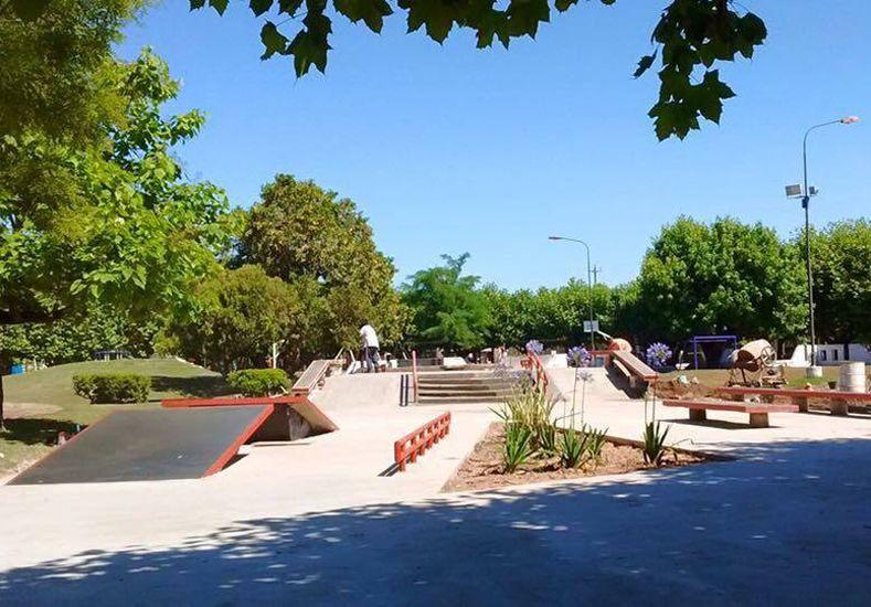 En todo el mundo se construyen plazas de skate para mantener a la población en movimiento. Fotos Gentileza Martín Pibotto.
