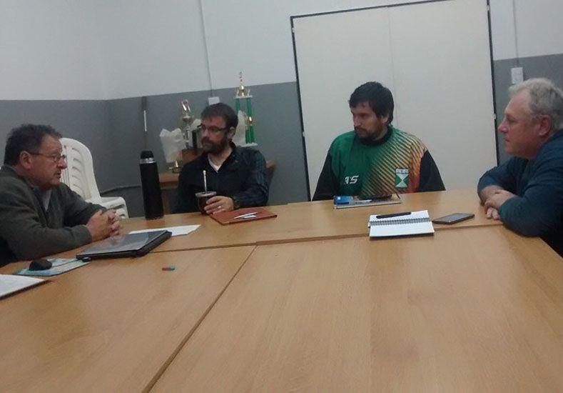 Desde la Asociación Paranaense confirmaron a Juan Siemienczuk como el DT del combinado. Foto Gentileza/APB