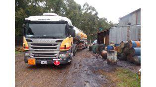 Camionero intentó vender combustible en un lugar no habilitado y fue detenido