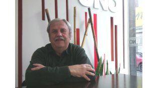 Titular. El escritor paranaense Juan Carlos Rufanatch.