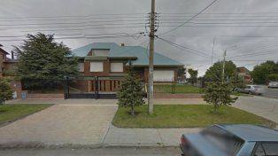 Allanaron la casa que Néstor Kirchner le vendió a Lázaro Báez