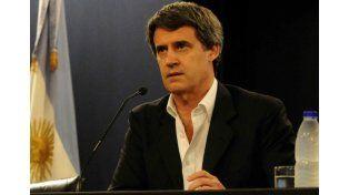 """Prat Gay pidió """"disculpas"""" en España y criticó la estatización de YPF"""