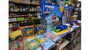 Las jugueterías se preparan para las ventas del Día del Niño. Foto UNO Mateo Oviedo.