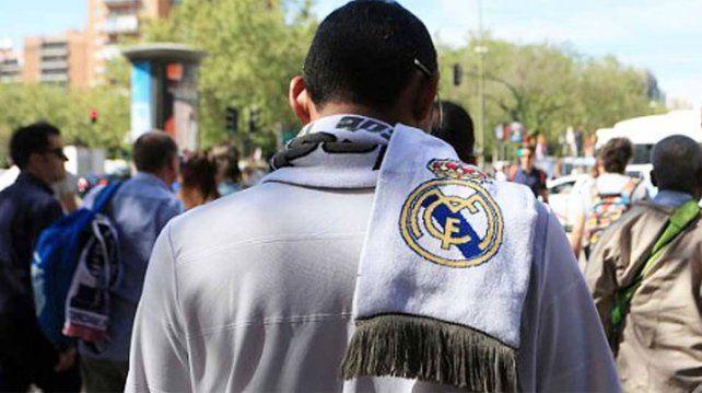 Cuatro terroristas irrumpieron en el local ante de los penales de la Champions.