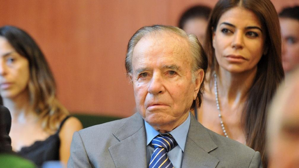 Ménem habló vía telefónica con Mauro Viale en América. Foto Télam.