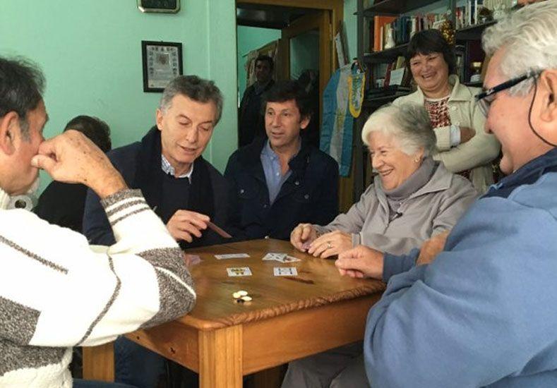 Desde un centro de jubilados, Macri pidió al Congreso que vote el proyecto previsional