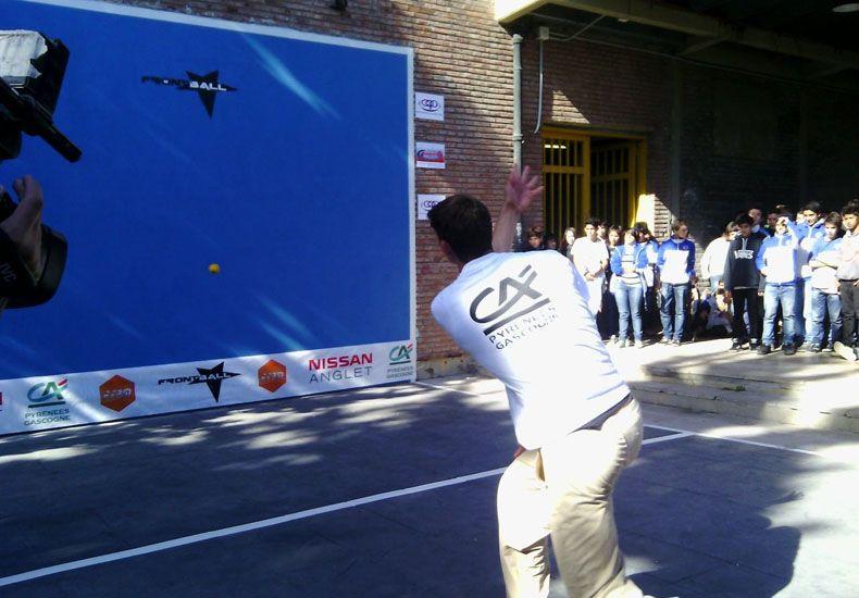 En la ENET 1 también se juega frontball.
