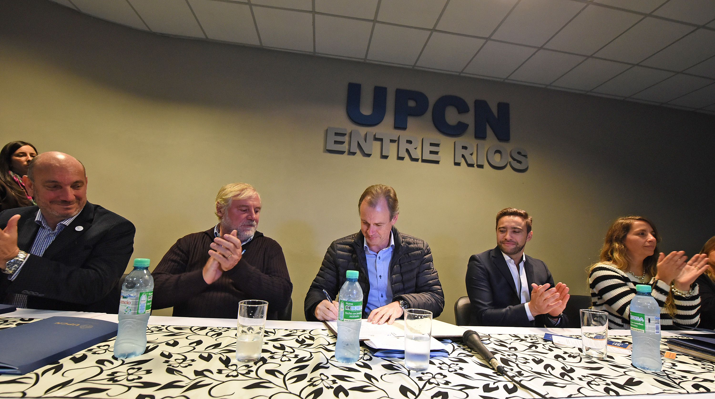 Bordet ratificó que no habrá cesantías ni despidos en el Estado entrerriano