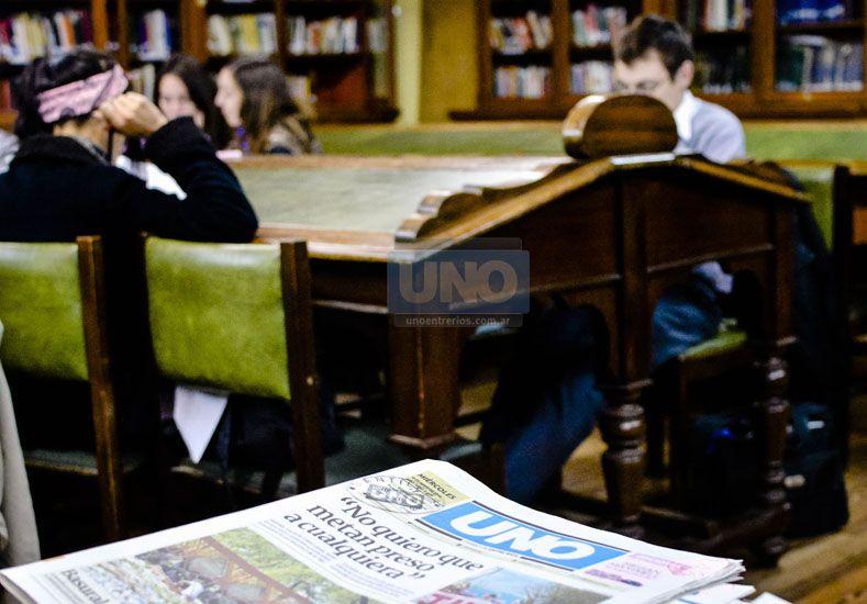 El domingo UNO publicó la nota Libros en Tiempo de Internet y estas fotos fueron parte de la producción. Fotos UNO Mateo Oviedo.