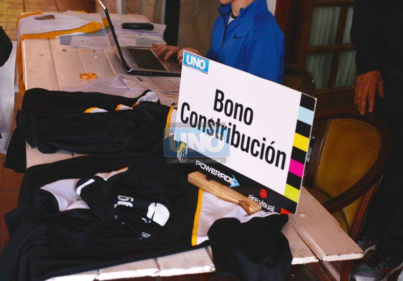 Hasta mañana a las 9 hay tiempo de retirar el kit de la carrera. Foto UNO Juan Manuel Hernández.