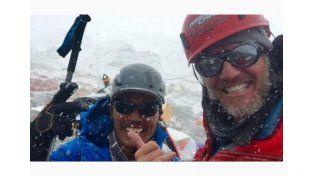 Facundo Arana llegó a la cumbre del Everest junto a otros argentinos