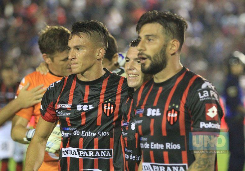 Gemi –a la izquierda– cumplió su mejor actuación el sábado en el José Amalfitani.  Foto UNO/Diego Arias