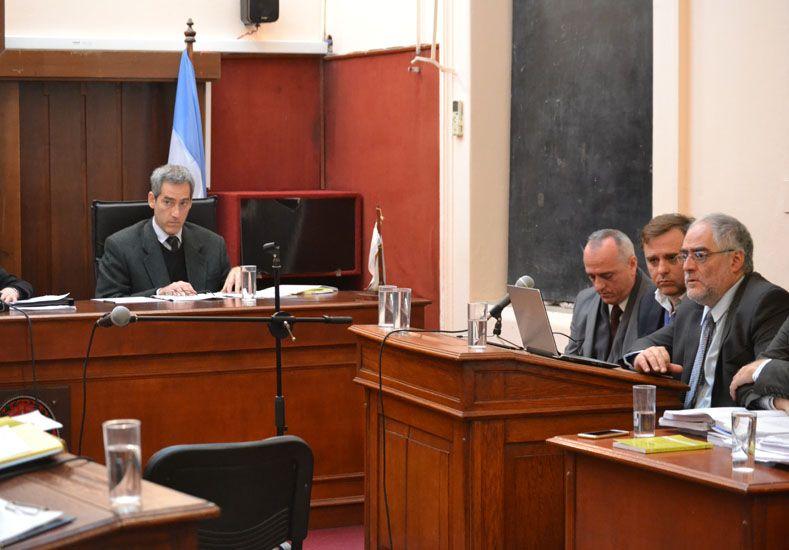 En el banquillo. Luis Erro escucha los alegatos. Foto Gentileza/El Debate Pregón