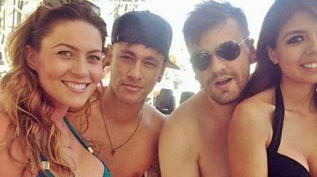 La fiestita de Neymar y sus amiguitas