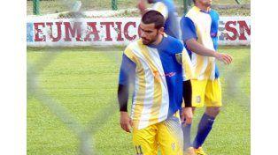 Conmoción por la muerte de un jugador de fútbol en un partido de la liga de Colón