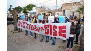 Por Gisela y por todos. El reclamo que motorizó una comunidad educativa.  Foto Gentileza/Nicolás Ríos