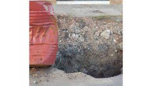 En Gobernador Medus el pozo es tan grande que lo marcaron con un tacho