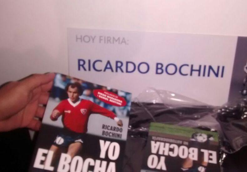 Ricardo Bochini presentó su autobiografía en Paraná