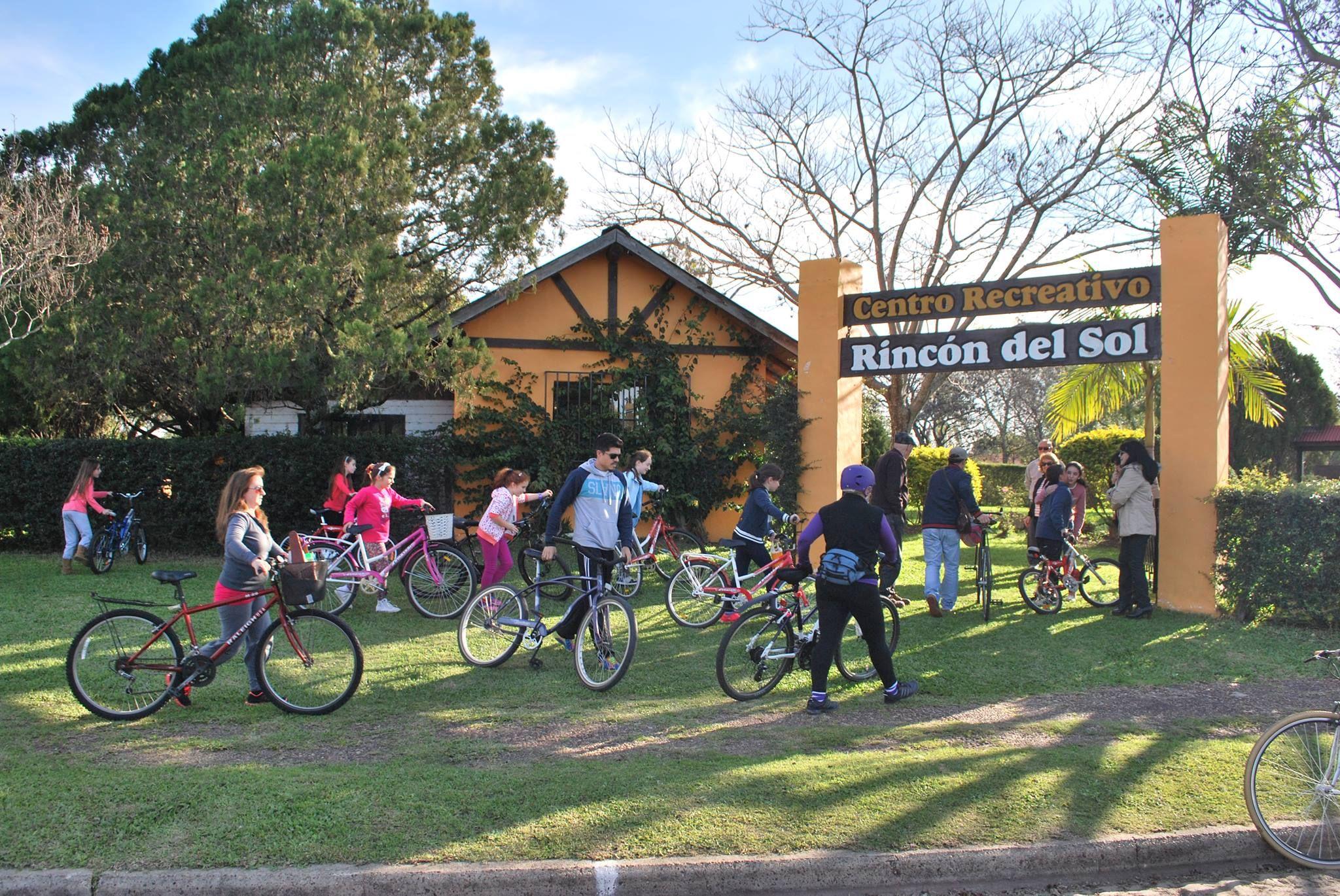 En las pedaleadas participan cerca de 50 ciclistas