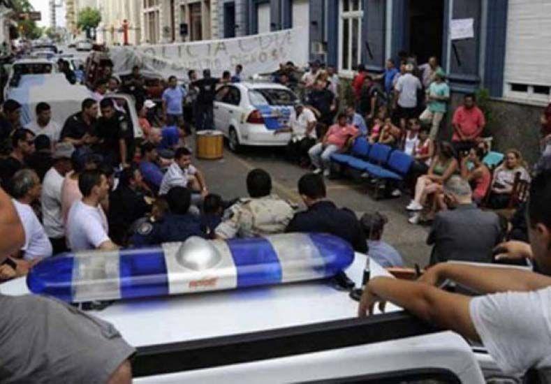 Casación consideró que los policías de Concordia son responsables de sedición agravada y privación ilegítima de la libertad