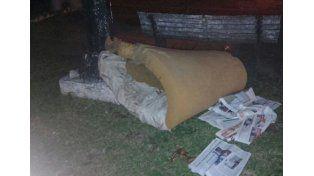 Con frío. Crece el drama de tener que dormir en la calle.