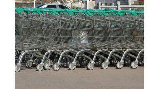 Los supermercados de Paraná deberán tener cajas especiales para mayores de 70