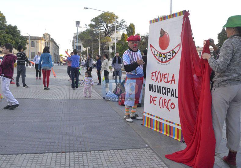 Profesores y estudiantes buscarán el respaldo de la sociedad paranaense. Foto UNO Mateo Oviedo.