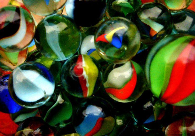 La única empresa que fabrica bolitas de vidrio, en riesgo por el aumento del gas