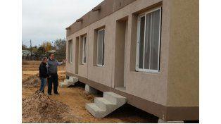 Continúa la instalación de viviendas premoldeadas para inundados en Concordia