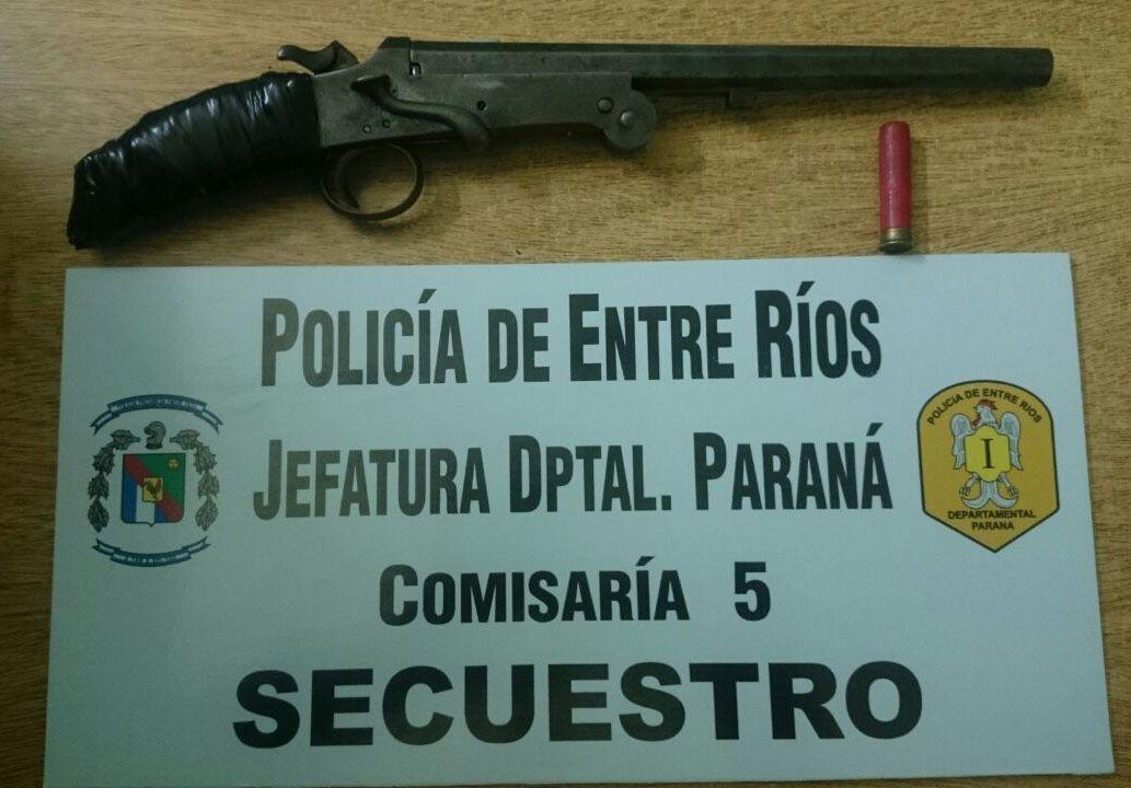 Una persona fue detenida cuando portaba un arma de fuego