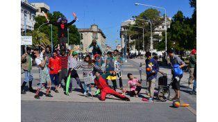 La manifestación se realizó en la plaza 1 de Mayo. Fotos Juan Manuel Hernández.