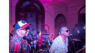Pionero. Tierra Bomba es el primer club de música en vivo.