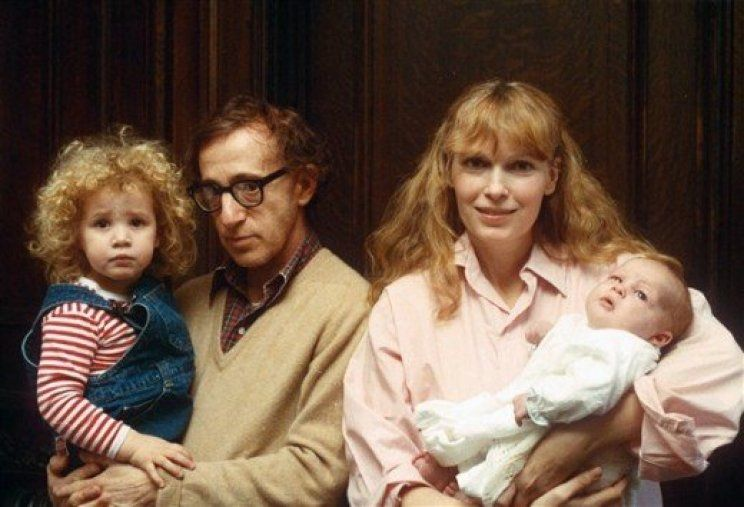 Tarde pero seguro: la dura carta de Ronan Farrow, el hijo de Woody Allen