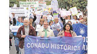 Por la ocupación plena, paritarias y derechos