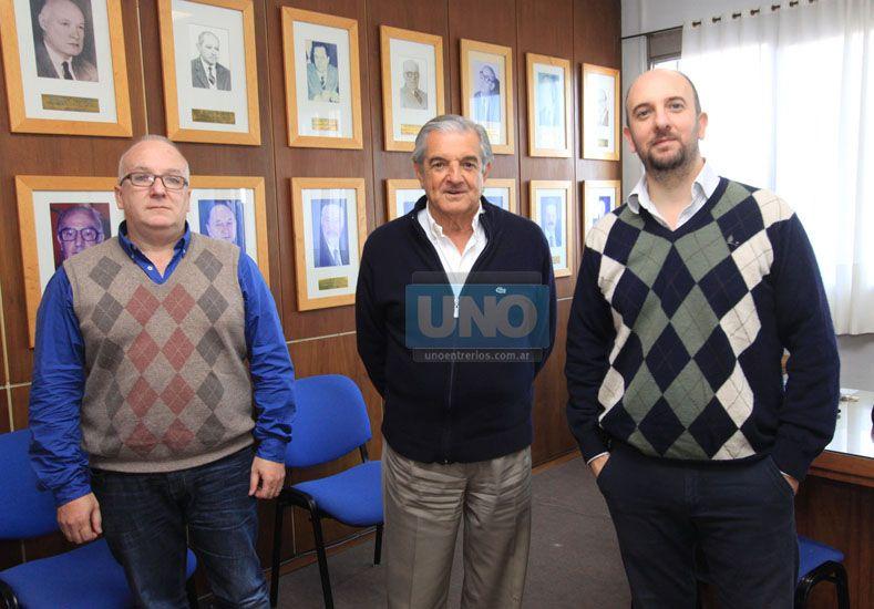 Angarola (en el medio) y Tedesco (a la derecha). Foto UNO/Juan Ignacio Pereira