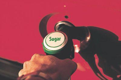 ¿Una cucharada de azúcar puede destrozar un auto?
