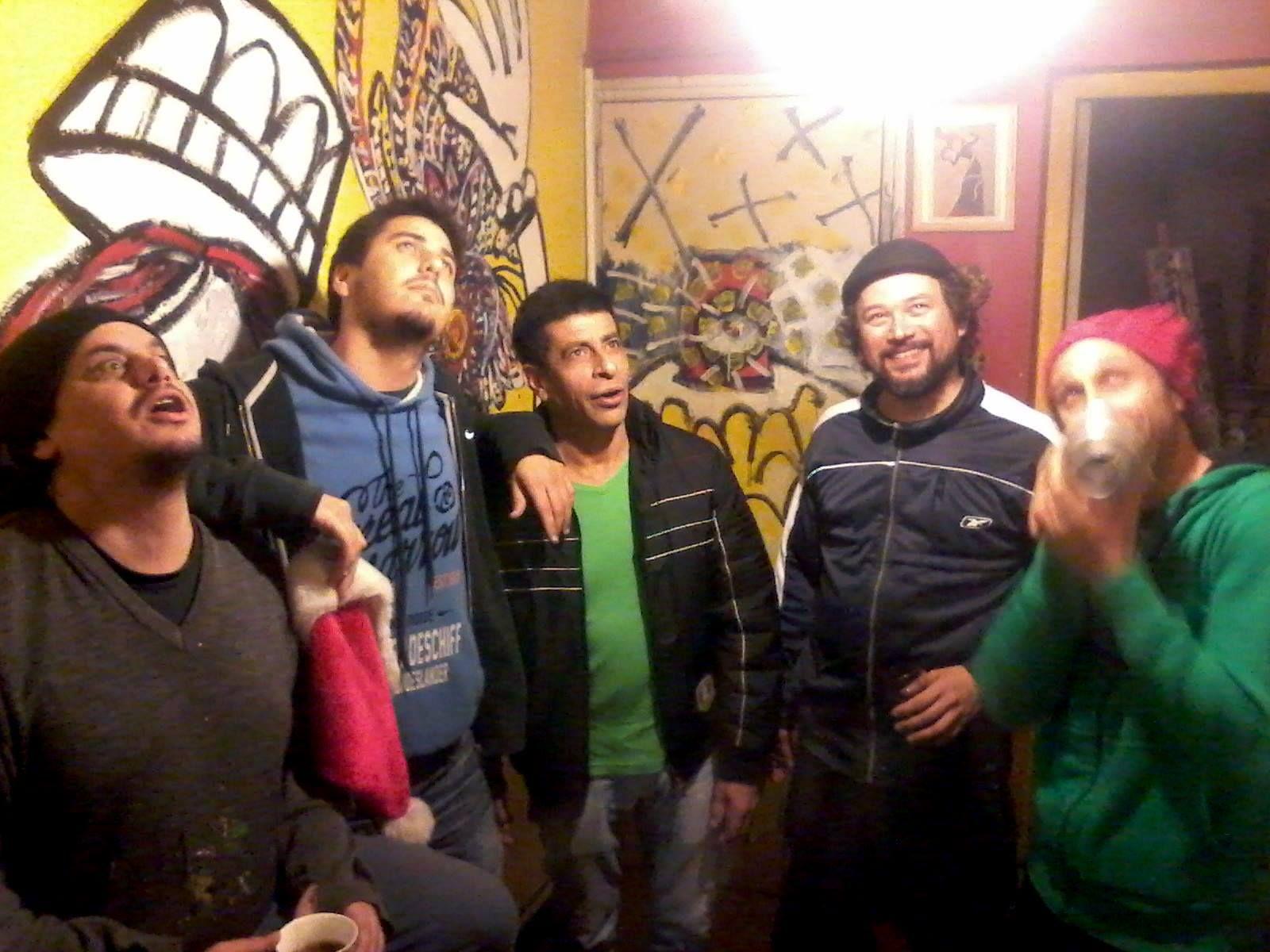La banda de Paraná presentó su último disco que se puede bajar gratis de Internet.
