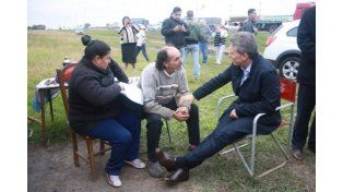 Rosario: Macri visitó al hombre que le mandó una carta con 100 pesos para ayudarlo en el gobierno