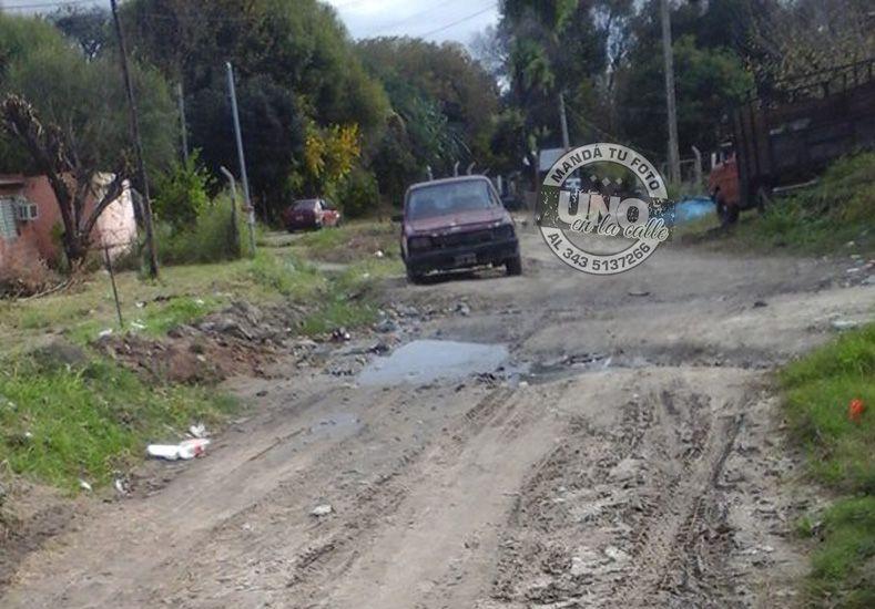 Las calles internas de Bajada Grande están abandonadas