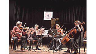 El repertorio de Brahms en cuerdas y piano