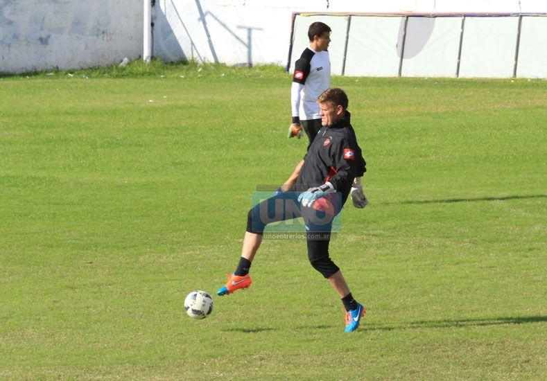 Bértoli lamentó haber recibido una nueva conquista en una jugada de pelota parada.     Foto UNO/Diego Arias