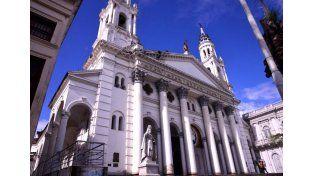 Gestionan la puesta en valor de la Catedral de Paraná
