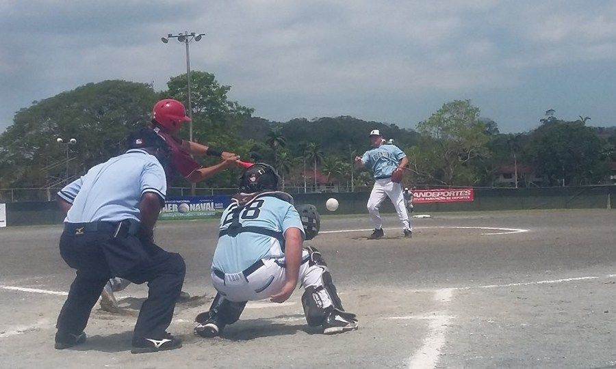 Los mayores lideran el Sudamericano Masculino