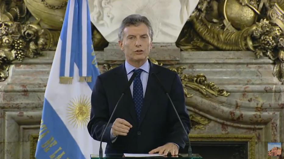 Macri, sobre los despidos: Todos tenemos que poner el hombro