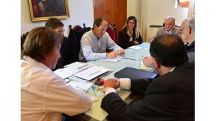 Paraná adecuará normas para mejorar el servicio de telefonía móvil