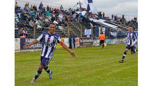 Ángel Gómez aportó el segundo gol de la victoria de Atlético Uruguay.