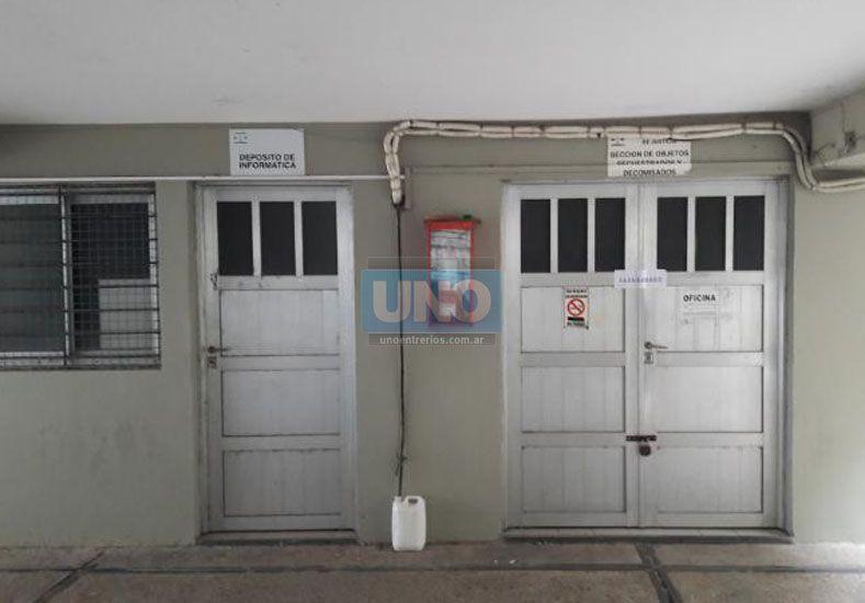 El depósito fue abierto a pedido del fiscal y con la presencia de las partes. Foto: UNO/Marcelo Medina
