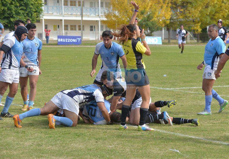 Buen clima. Más allá de los nervios de ayer por las finales. Los partidos se jugaron con dientes apretados pero sin violencia.  Foto UNO/Diego Arias