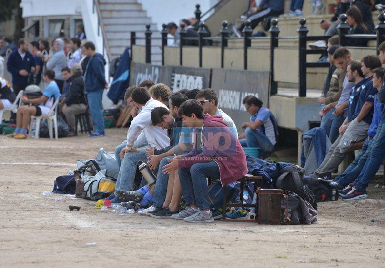 Expectativas. Los partidos se vivieron con mucha expectativas en la cancha del club Estudiantes. Ayer fue un día a puro rugby.  Foto UNO/Diego Arias